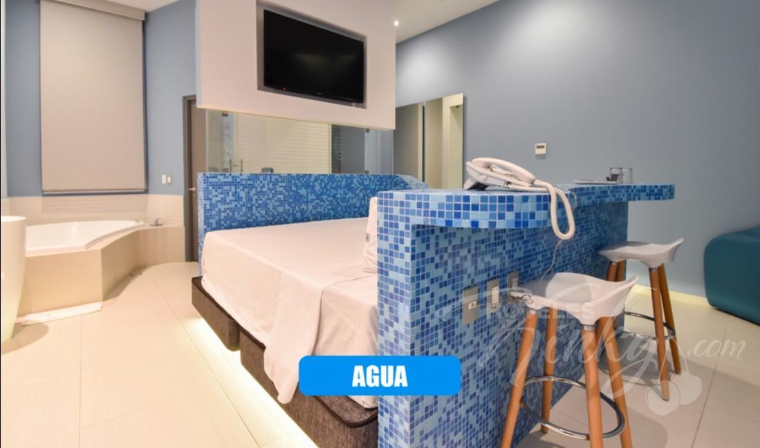 Love Hotel Quinto Elemento , Habitacion Villa Master Jacuzzi