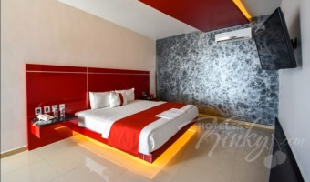 Love Hotel Red Mandala Hotel & Suites, Habitacion Pool Party