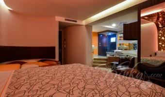 Love Hotel RomAmor, Habitacion Jacuzzi Hotel