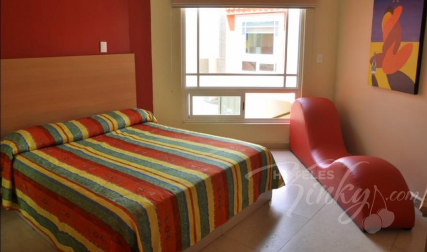 Love Hotel Romanz
