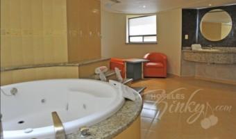 Love Hotel Sena, Habitacion Villa con Jacuzzi