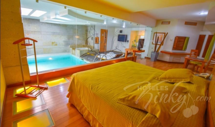Love Hotel Skala Suites & Villas , Habitacion Alberca