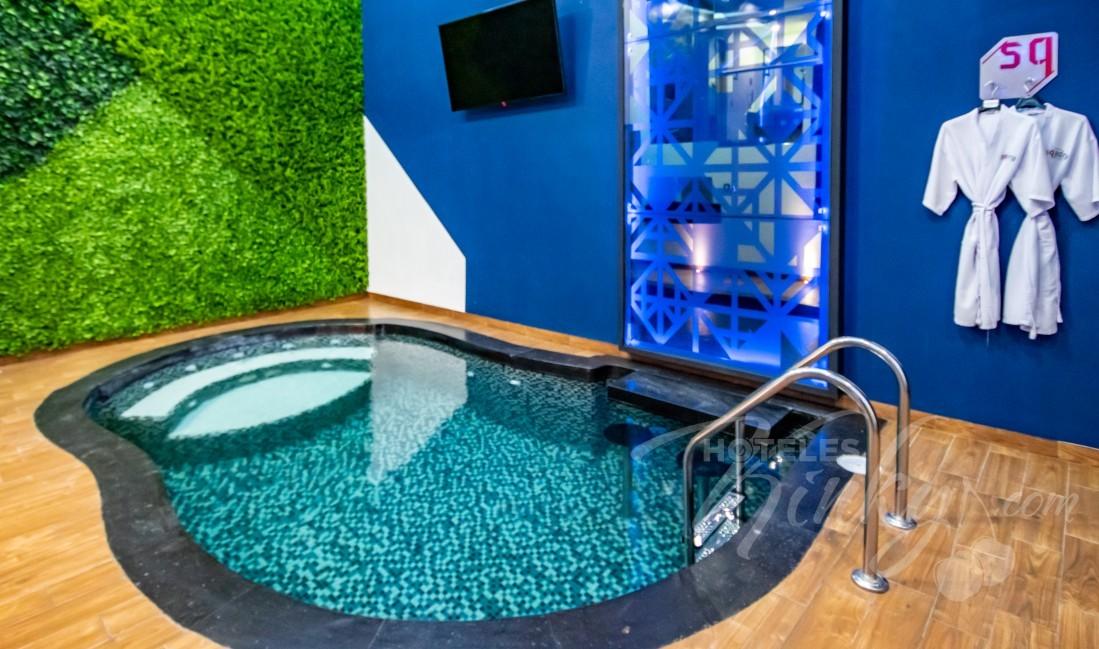 Love Hotel Sqadra, Habitación Alberca