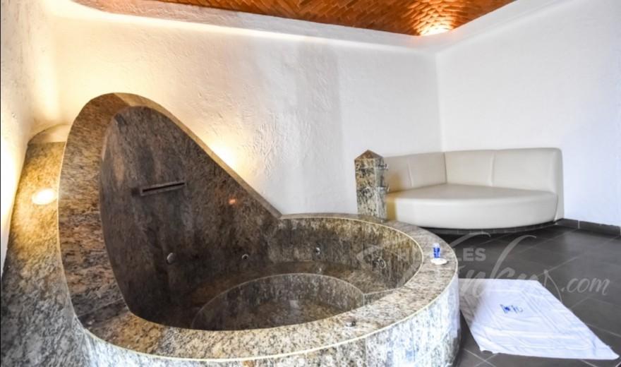 Love Hotel Suites Las Fuentes, Habitacion Jacuzzi