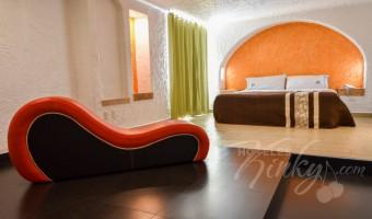 Love Hotel Suites Las Fuentes, Habitación Torre