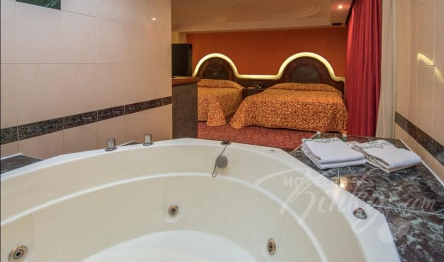 Love Hotel Ticomán Plaza, Habitacion Doble con Jacuzzi