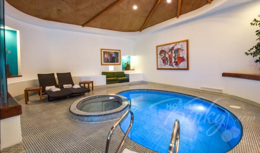 Habitaci n suite alberca del love hotel suites villas tikal Hoteles con habitaciones en el agua