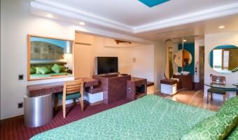 Love Hotel Suites & Villas Tikal, Habitacion Villa Jacuzzi