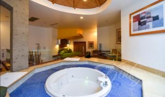 Love Hotel Suites & Villas Tikal, Habitación Villa Master