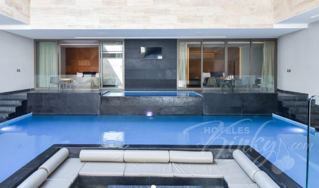 Love Hotel Picasso Lerma , Habitacion Alberca