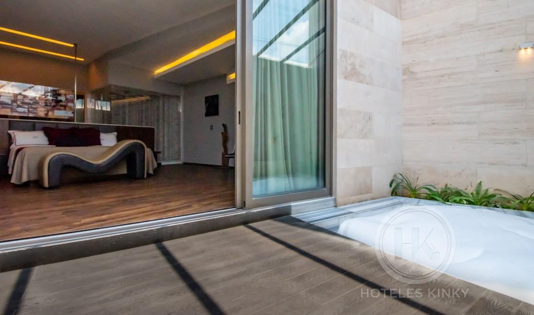 Love Hotel Picasso Lerma , Habitación Jacuzzi Sauna