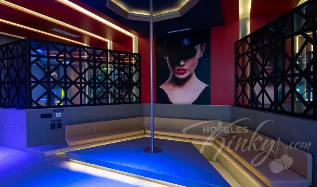 Habitaciòn Pool Party Room  del Love Hotel V Motel Boutique Periférico Norte