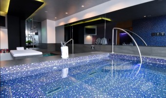 Love Hotel V Motel Boutique Sur, Habitacion Pool & Spa