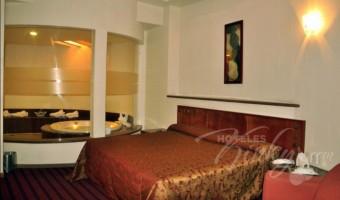 Love Hotel Villas Puente, Habitacion Jacuzzi