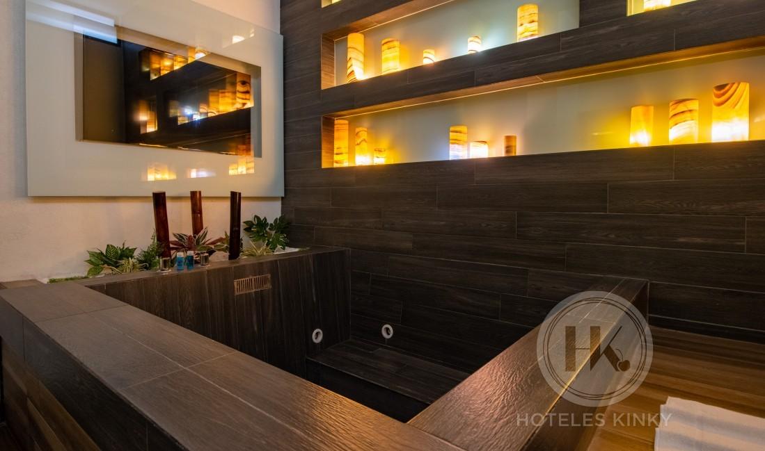 Love Hotel VP New - La Raza , Habitacion Jacuzzi
