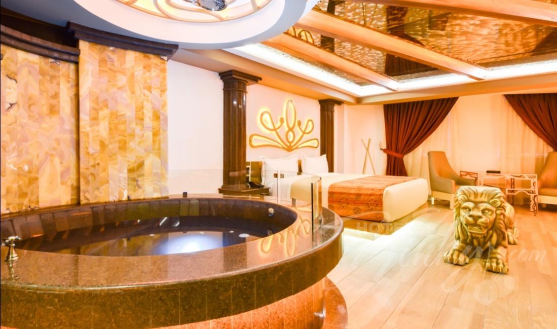 Love Hotel VP Vintage , Habitacion Suite con Jacuzzi